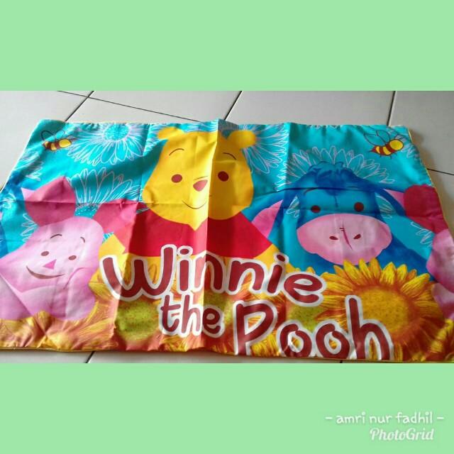 Sprei motif winnie the pooh