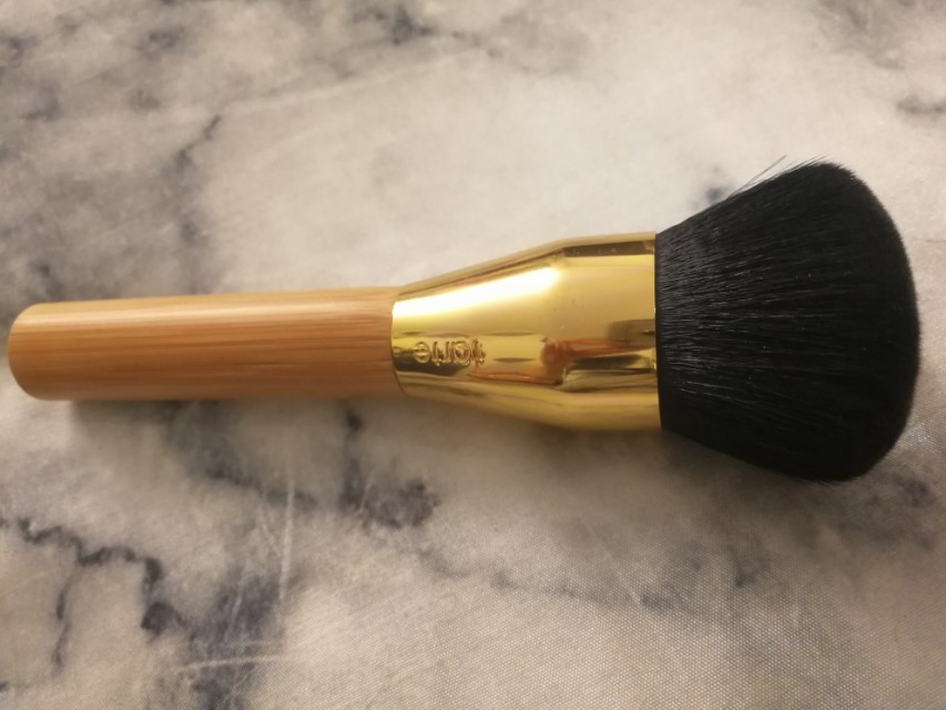 Tarte large powder brush