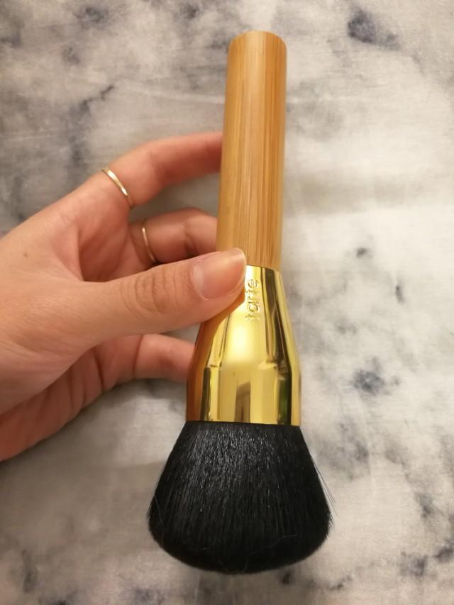 Tarte large powder brush