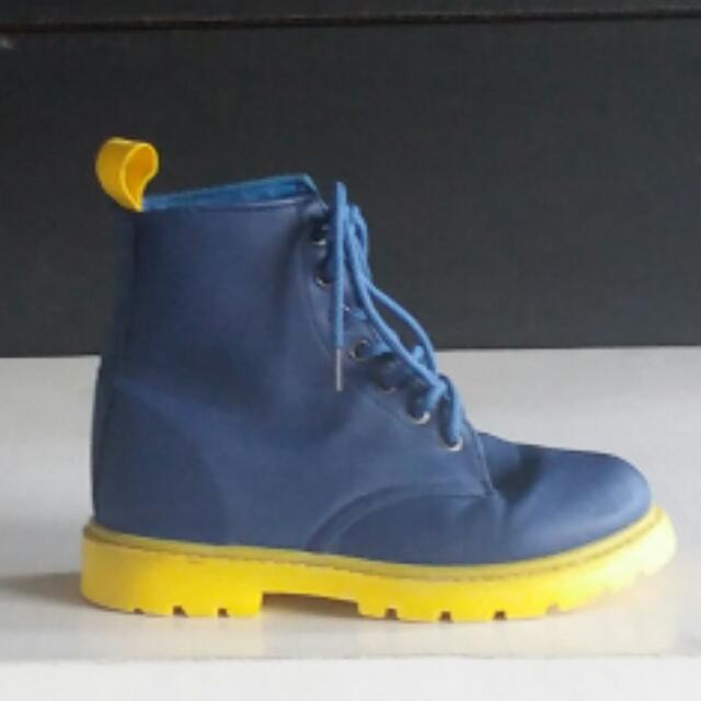 Tough Kids Leather Boots Size 31