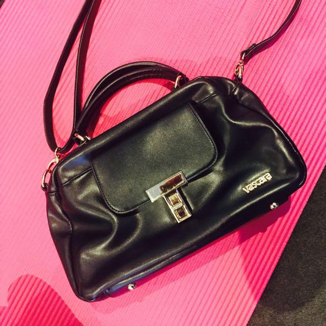 vascara medium black leather bag