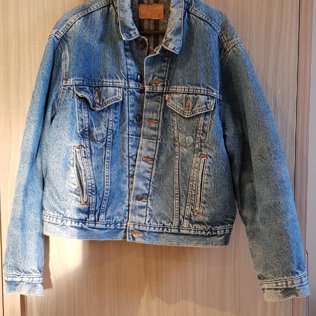 Vintage levis sherpa jacket. Medium. Made in mexico