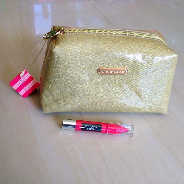 VS pouch and VS matte Lip Crayon SALE!