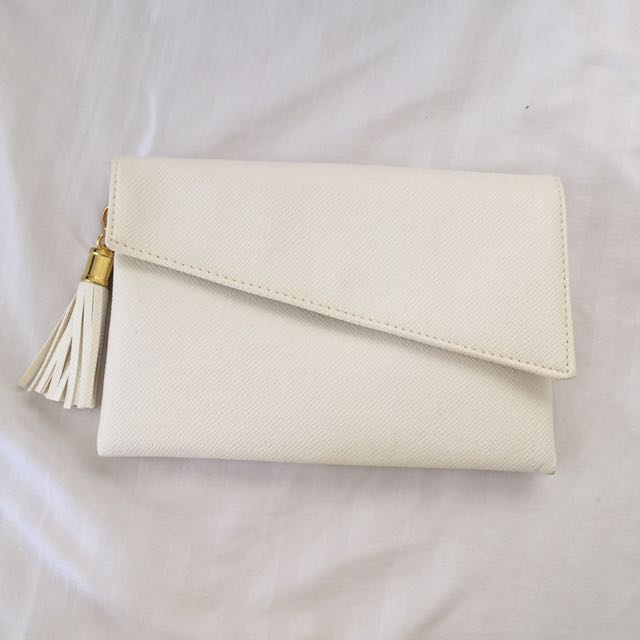 White Clutch with Tassel