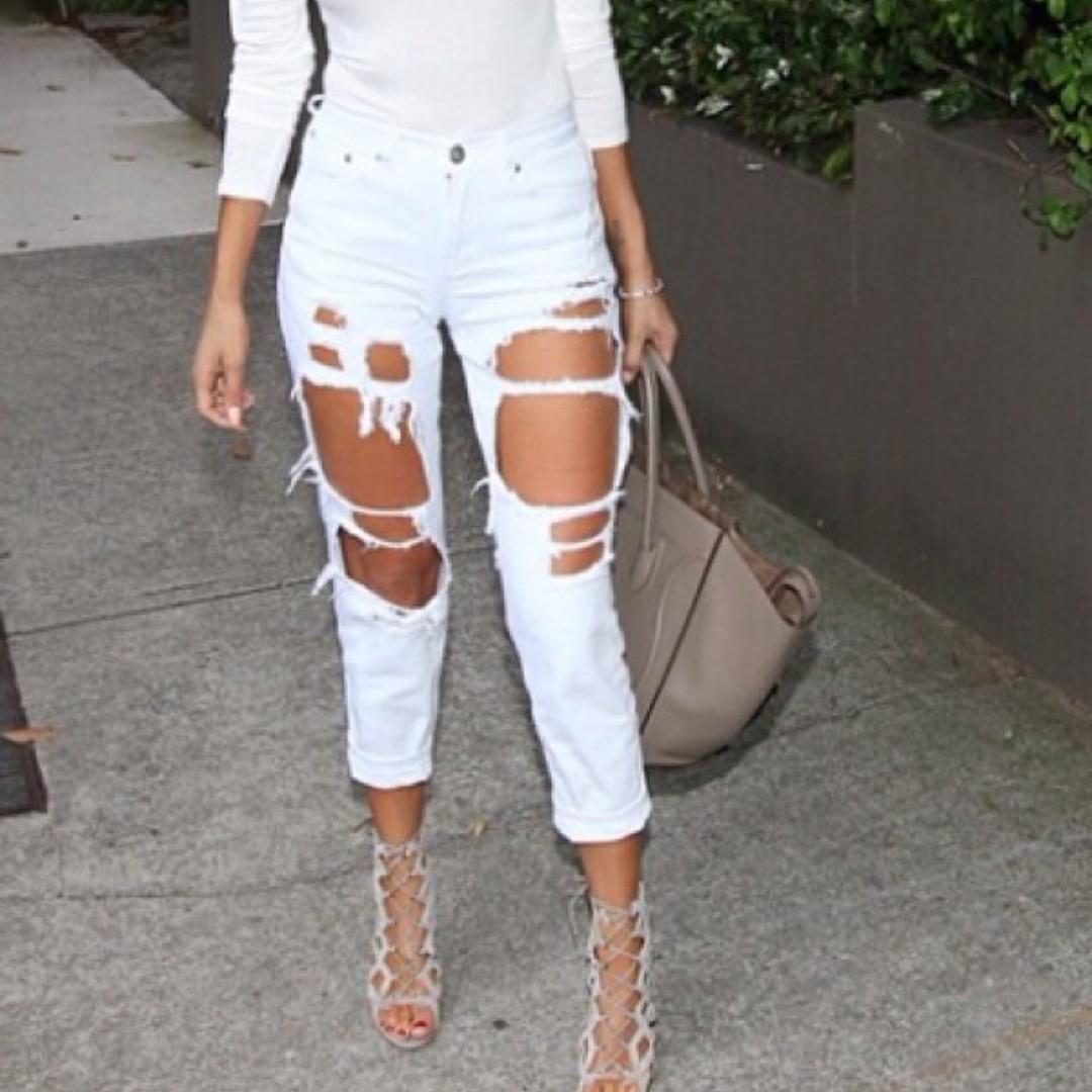 White Fox Boutique Boyfriend Ripped Jeans