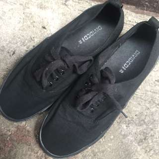 H & M Divided - Black Sneakers