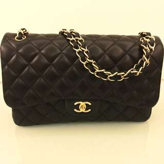 Chanel classic flap bag (Jumbo)