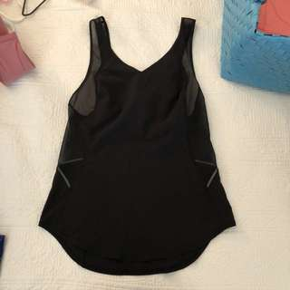 Lululemon black tank top with reflectors