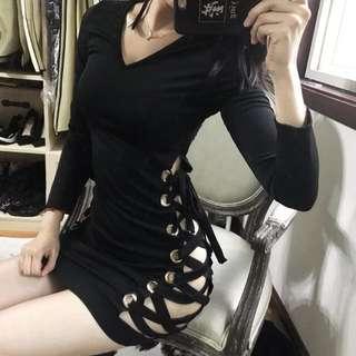 【黑店】歐美性感夜店風 側綁帶鏤空深V領洋裝