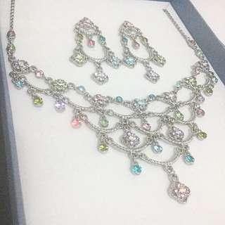 BNIB Crystal jewellery set