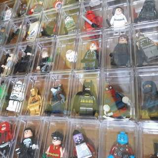 Minifigs with Acrylic Box