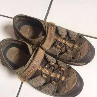 Sepatu Clarks oryginal