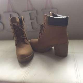 Ladies workbook heels
