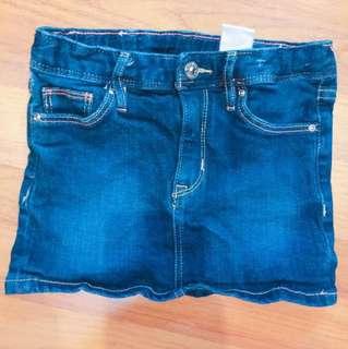 girl short jeans skirt H&M