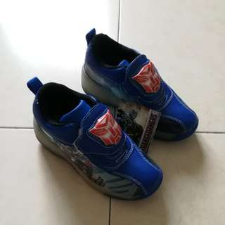 Roller shoes*