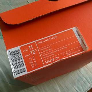 Nike flyknit racer oreo size 11 US