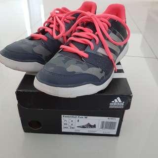 Preloved sepatu kets Adidas wanita ori (ada box)