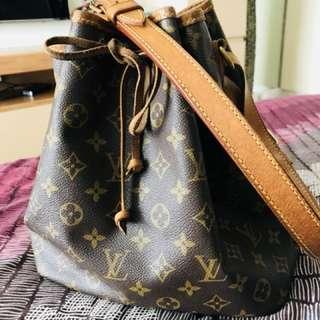 Louis Vuitton Petite Noe Bag