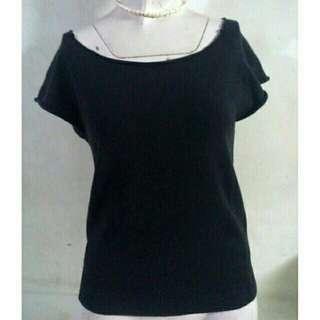 SALE preloved black cotton knits shortsleeves top