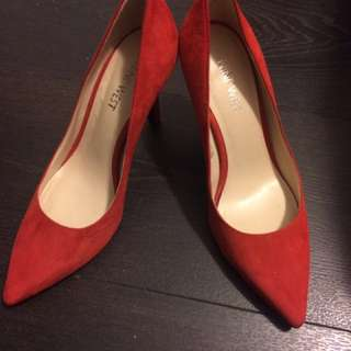 nine west tomato red high heel shoes size 5.5