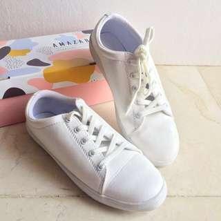 White evelyn Sneaker