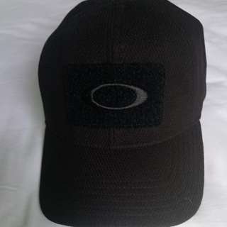 Topi oakley, hitam, ori, new..size s/m