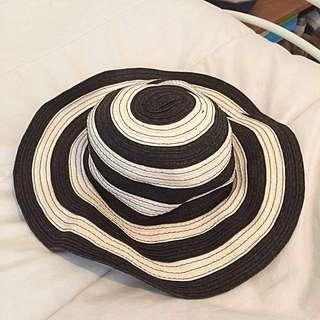 Black and cream summer hat