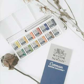 Winsor & Newton Cotman Sketcher's Pocket Box