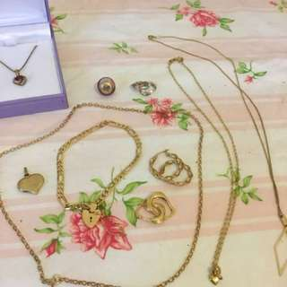 Bulk lot of 9ct gold necklaces bracelet earrings
