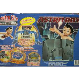 Astro Boy Die Cast Metal Car Metro City Playset