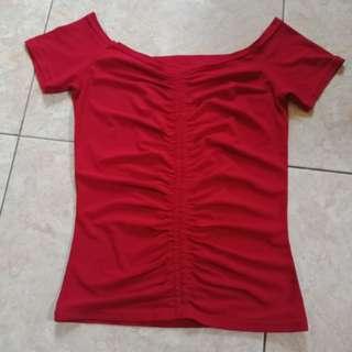 Kaos / atasan maroon