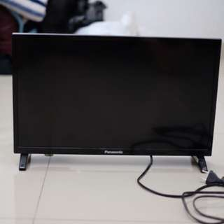 "TV LED Panasonic 22"""