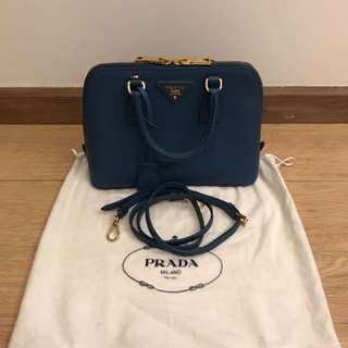 💯 authentic prada tote For Let Go!!