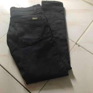 Celana jeans hitam no brand size26-27
