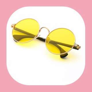 Eyeglass Round Colored yellow only!