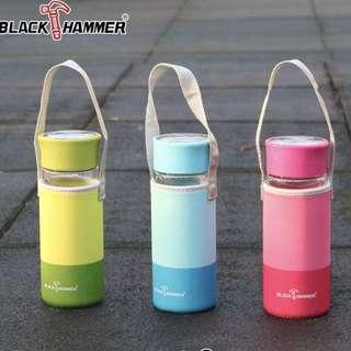 🚚 BlackHmmer爵色雙層耐熱玻璃水瓶310ml(附布套)(藍色款)