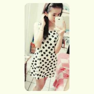 Flower Dress BW