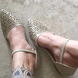 Women's Shoes In Gold