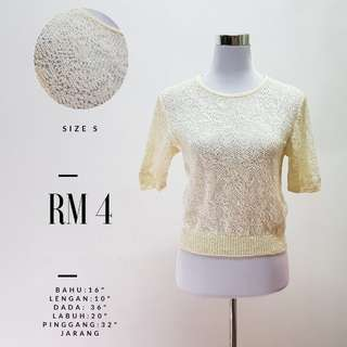 Lacey Top Off white