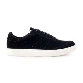 Sepatu Pria Kasual Santai Sneakers Original Navara Fuller Black