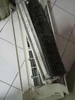Aircond service n refill gas