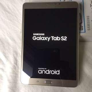 """Pristine Condition Samsung Galaxy 8"""" Tab S2 LTE"""
