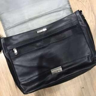 Perry Ellis Messenger Bag