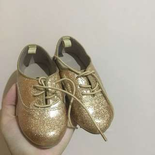 Crazy 8 Gold baby shoes