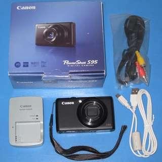 Canon PowerShot S95 high-end compact digital camera