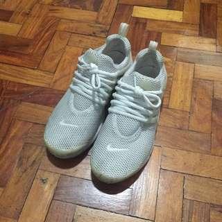 Nike Presto Triple White 8