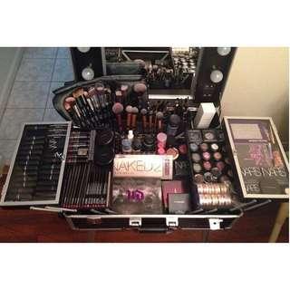suesh makeup train case