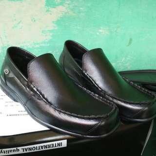 Sepatu Casual Pria Kulit Elegant