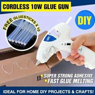 Glue Gun Plus 10 Glue Sticks.💕
