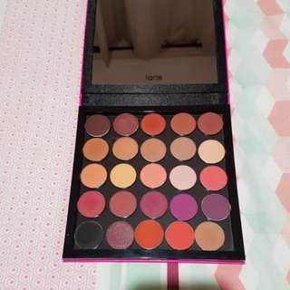 25 Makeup Geek & Colourpop matte eyeshadows in a large tarte magnetic palette